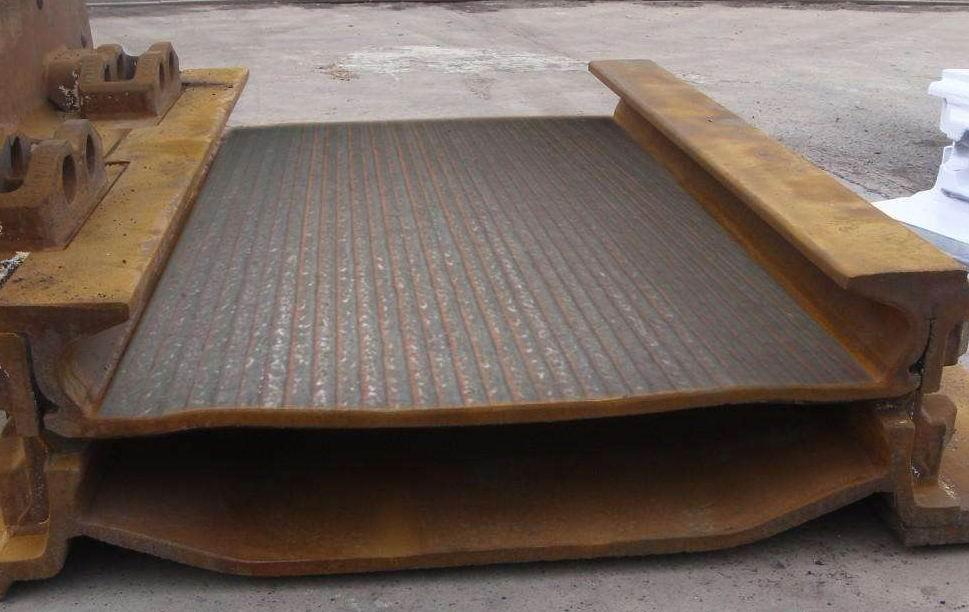 堆焊耐磨合金复合板